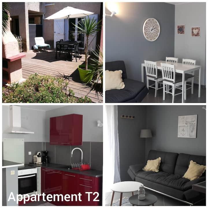 Appartement T2, rez de jardin, terrasse,