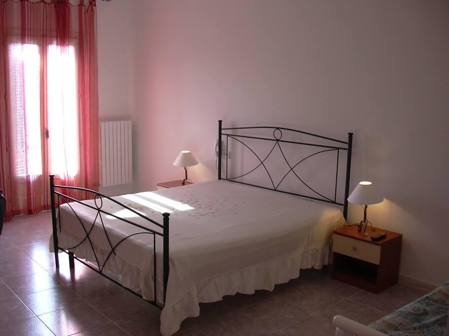 Stanza da letto  grande   (40 mq) 3-4 posti