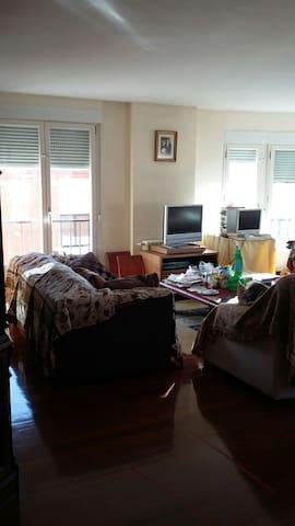 hab. cama 1,35 piso centrico - Soria - Dům
