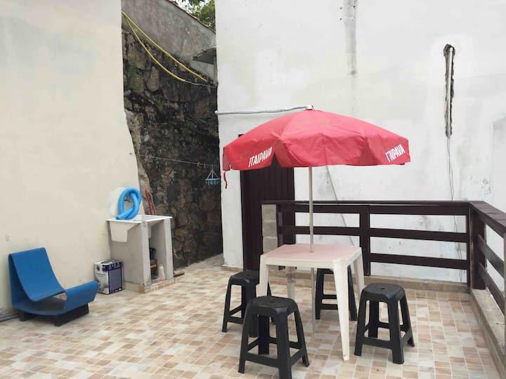 Apartamento em São Sebastião 50 metros da praia