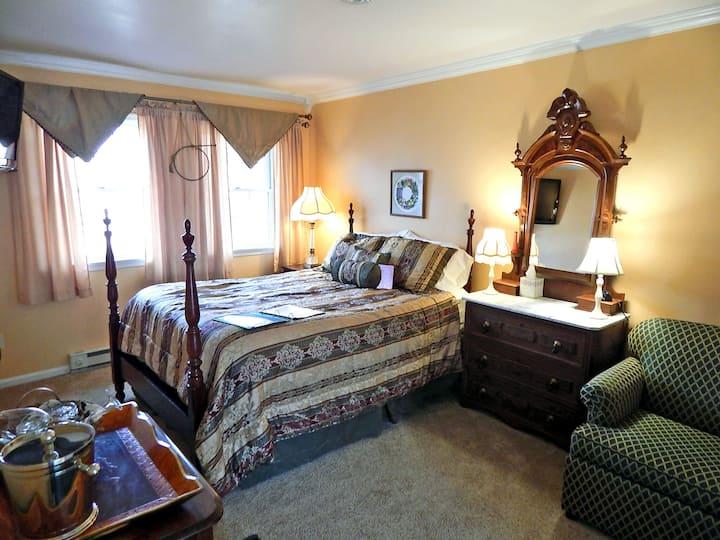 Rush's Lancers Room