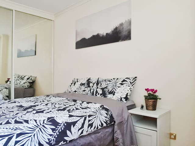 Private Room and bathroom near Darling Harbour