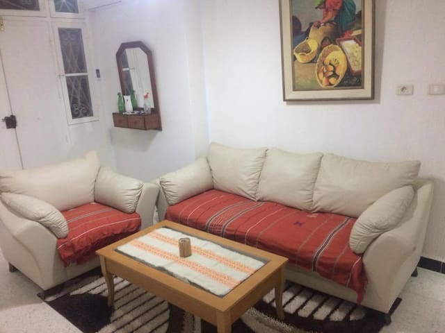 belle villa  ensoleillee dans un quartier calme - Mahdia - Huis