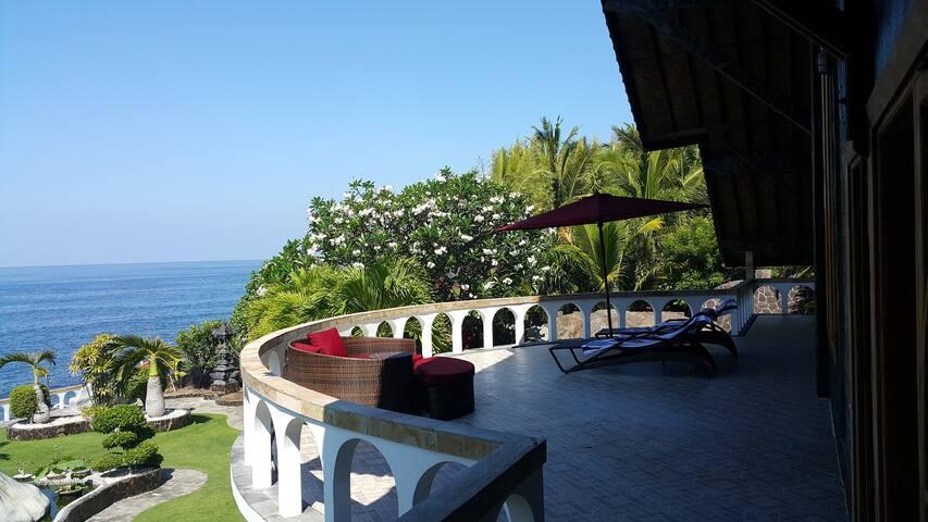 Matahari Tulamben Villa