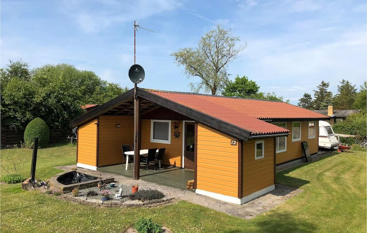 Holiday cottage with 2 bedrooms on 53m² in Nakskov