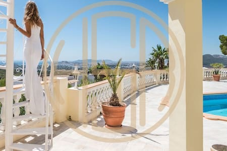 LUXUS VILLA SUNRISE WITH A VIEW IN IBIZA TOWN - Illes Balears - 별장/타운하우스