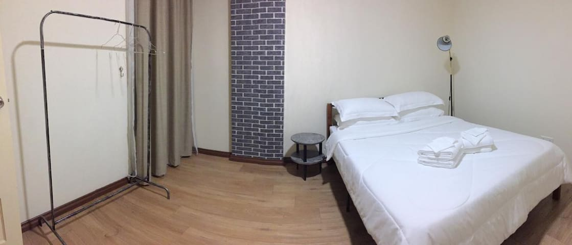 KIU-LUXE APARTMENT (BR B+Shared BA/PoolTable/2pax)