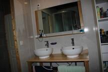 Salle de bain (partagée)