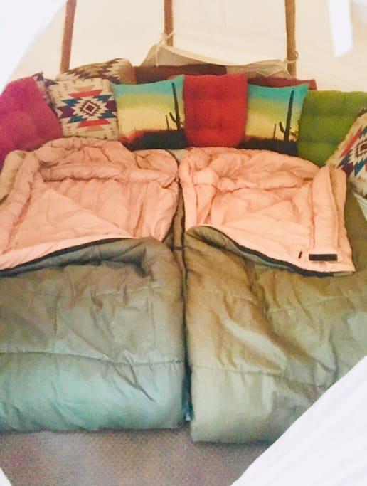2+ sleeping bags included