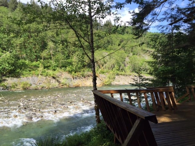 A River Runs Through It - Skykomish - House