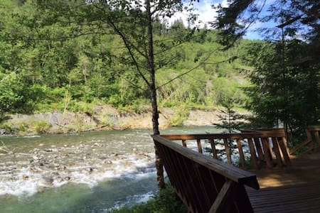 A River Runs Through It - Skykomish