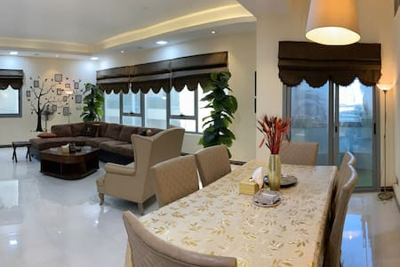 LUX | Apartment 3 B.R huge Suite near LAKE Khalid