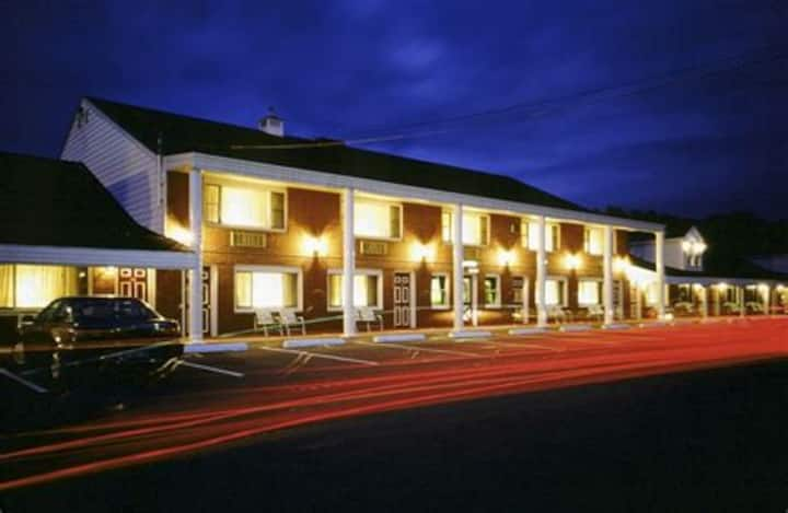 Coachman Inn Kittery for long term stays