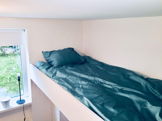 Guest room - loftbed