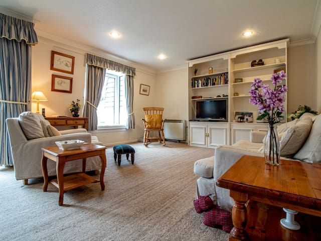 Top apartment w/Gleneagles exclusive hotel access