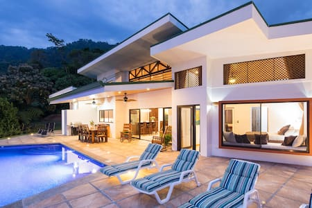 Villa Cascadas in secluded mountain