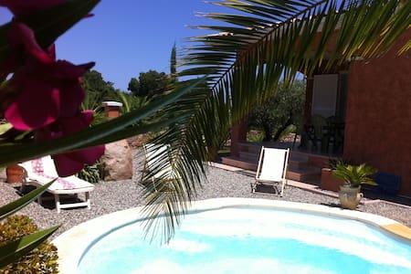 Maison tout confort avec piscine, proximité mer - Solaro