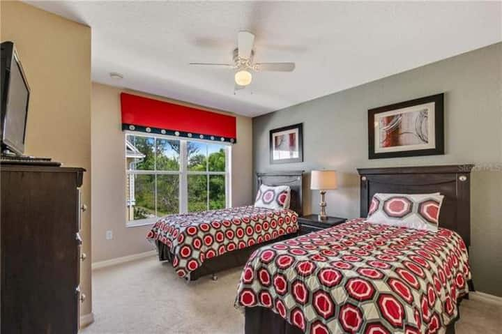 Great Bedroom close to Disney