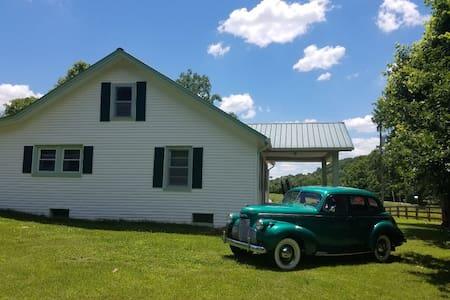 Leiper's Fork/Boston TN -Sweet Tea Cottage