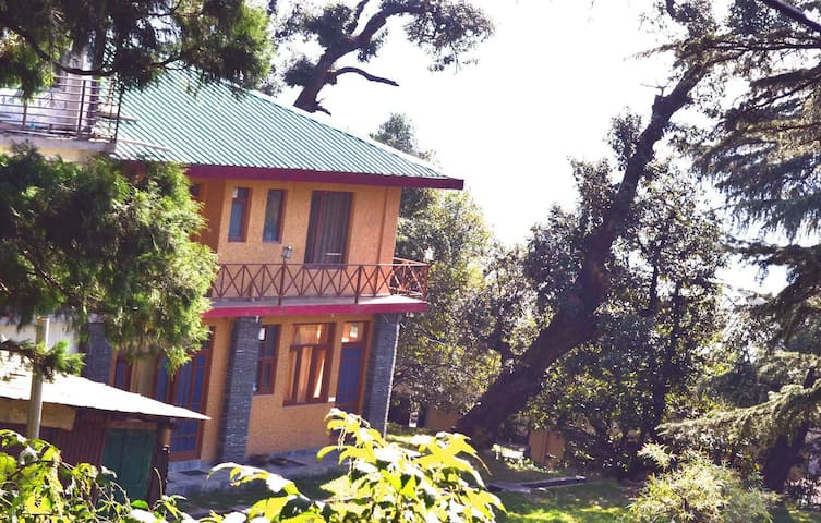Private double room and bathroom w prvt entrance - Himachal Pradesh - Byt
