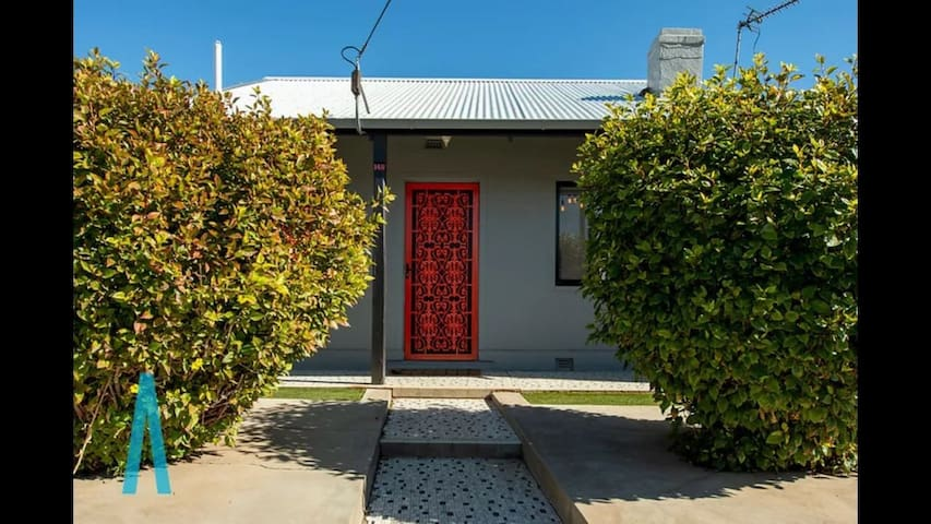Elegantly Renovated Original 1920s Cottage