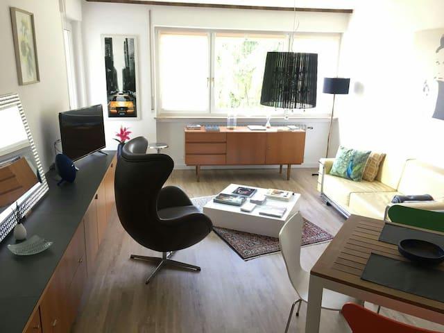 60 qm ruhige,helle 2 Zimmer Wohnung Balkon UNINÄHE