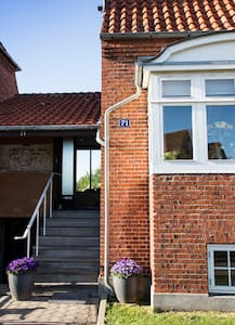 Hyggeligt privat Bed and Breakfast  - Nykobing Falster - Bed & Breakfast