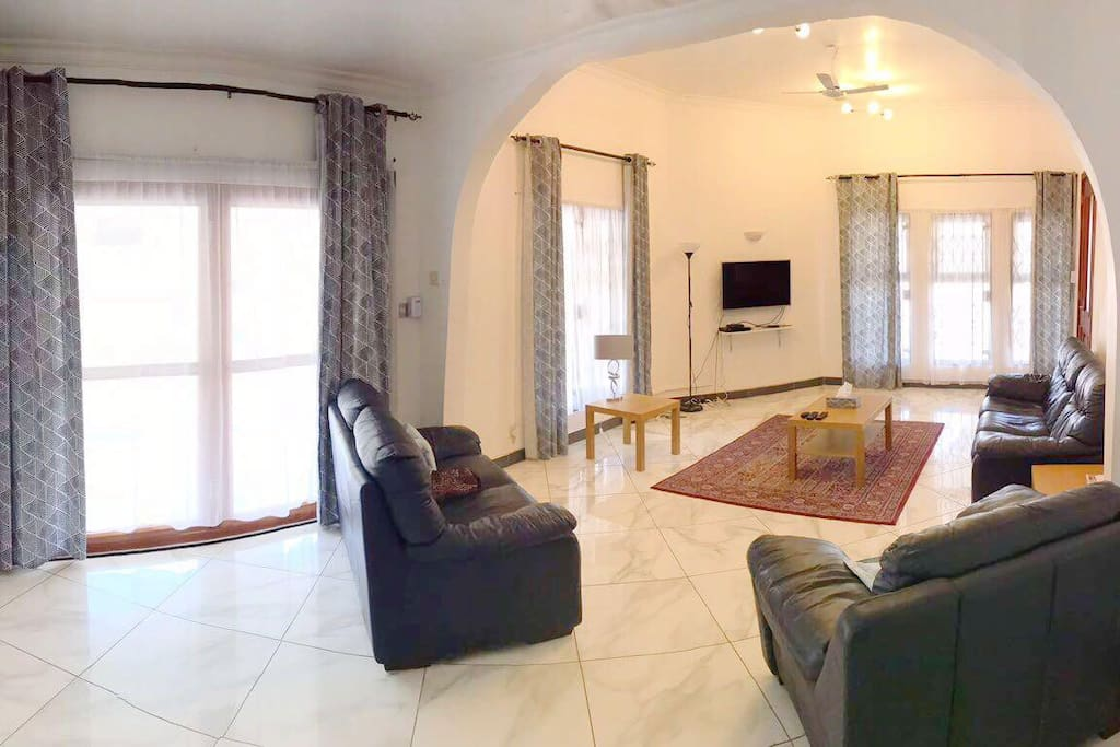 fully aircondition spacious lounge