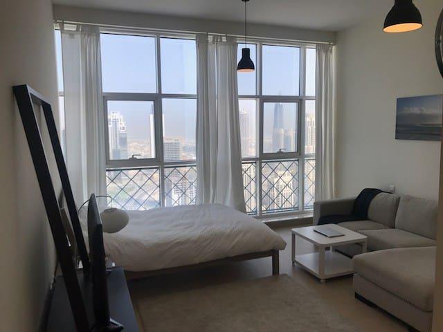 BRAND NEW Studio downtown overlooking BurjKhalifa