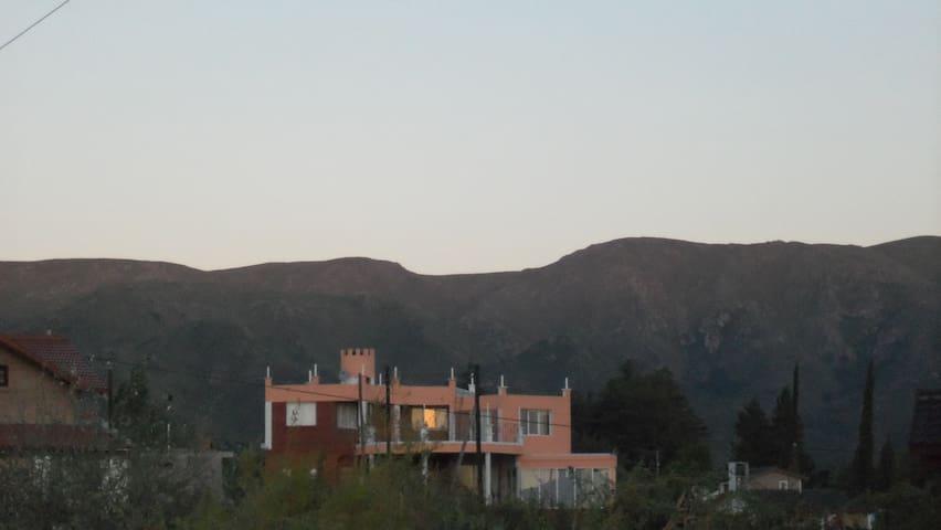 Los Cachorros Villa Giardino , ( Un lugar Mágico ) - Villa Giardino - Rumah