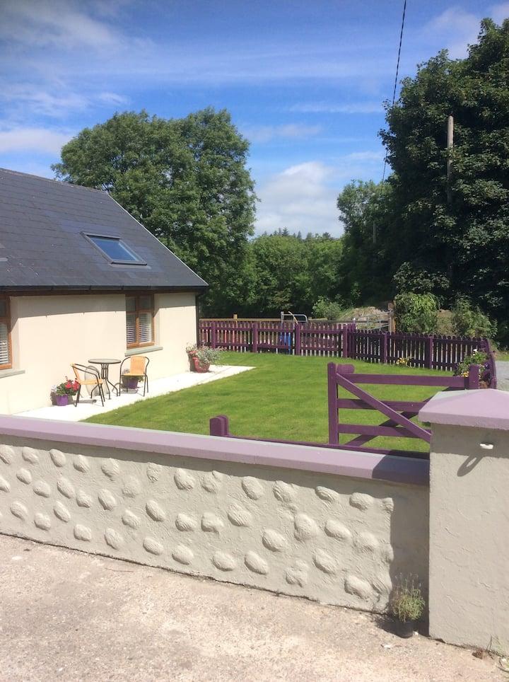 Killarney Saoirse Cottage cosy quiet sleeps 2