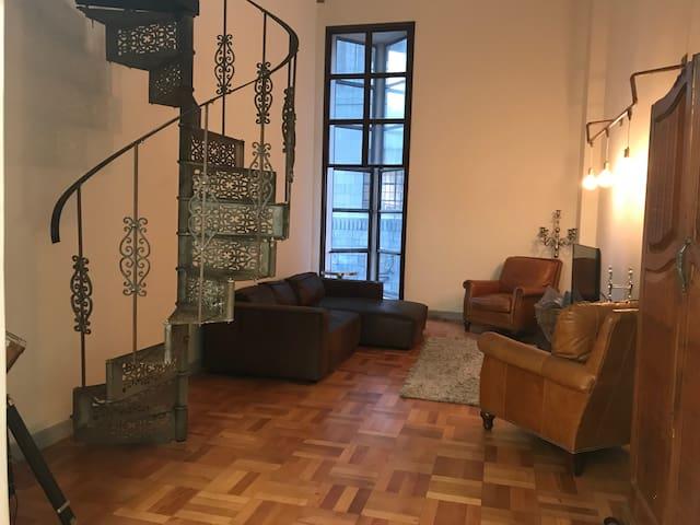 Cosy City Art Deco Loft