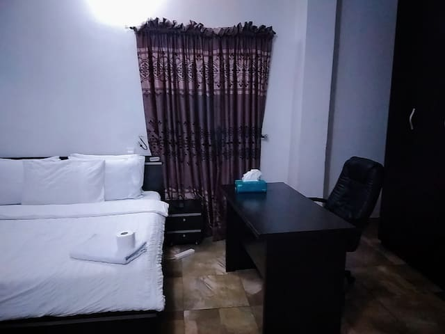 Discounted Ensuite room in magodo phase 2