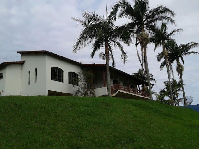 Maravilhosa casa em Sítio - Joanópolis - Joanópolis
