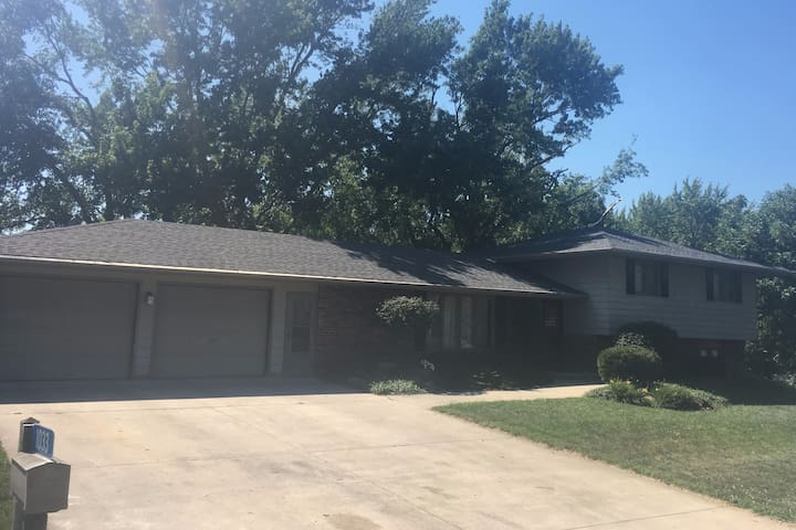 Home in walking distance of NASA's Eclipse site