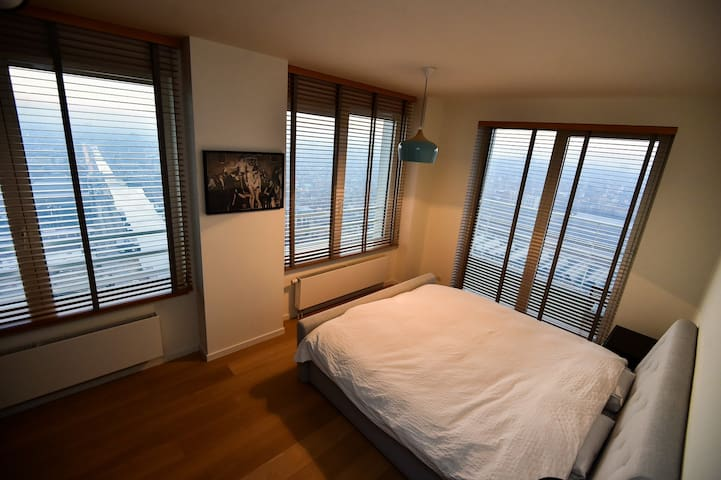 Luxury awesome new apartment (high-rise above BXL)