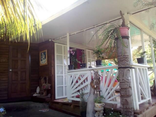Charmant&cosy bungalow vue mer, magnifique jardin