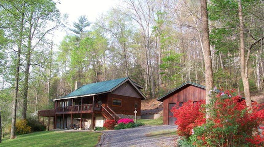 Log Home in South Mountains, Morganton, NC - Morganton - House