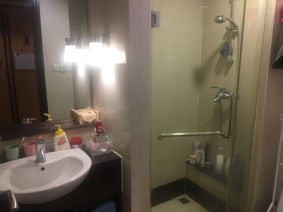 卫生间 washroom