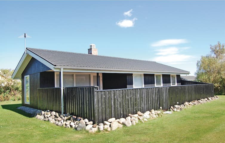 Holiday cottage with 3 bedrooms on 72m² in Løkken