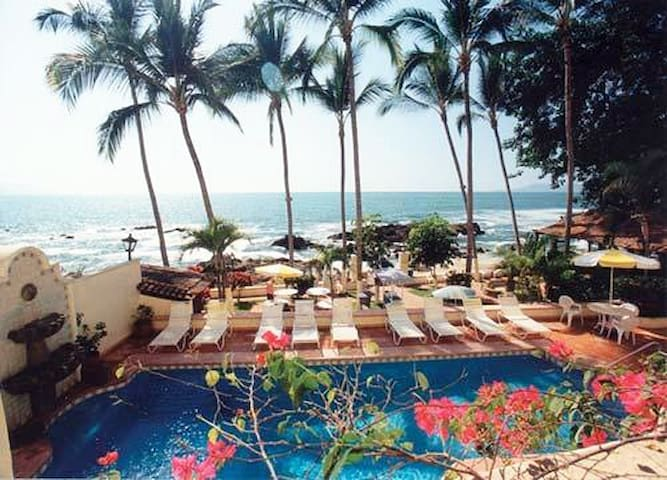 Oceanfront 2BR at Lindo Mar Conchas Chinas Beach