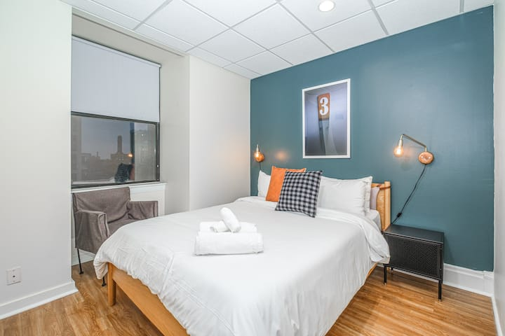 Luxury 1BR + Pool   Hyde Park   Evonify
