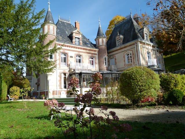 Castel d'Orquevaux - Chambre Tilleul