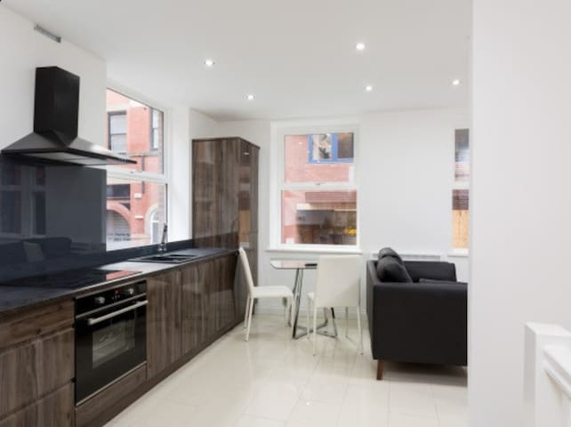 New 3 bed duplex in heart of Leeds City Centre