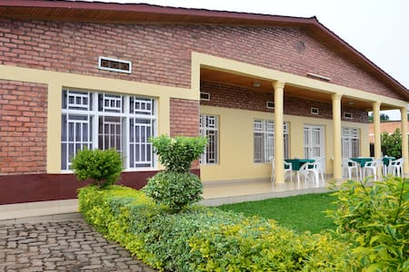 Maison Sifa Chambre A - Butare - Bed & Breakfast