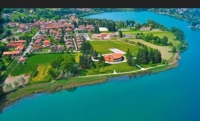 Villa Bergamo, gated development on Lake Endine