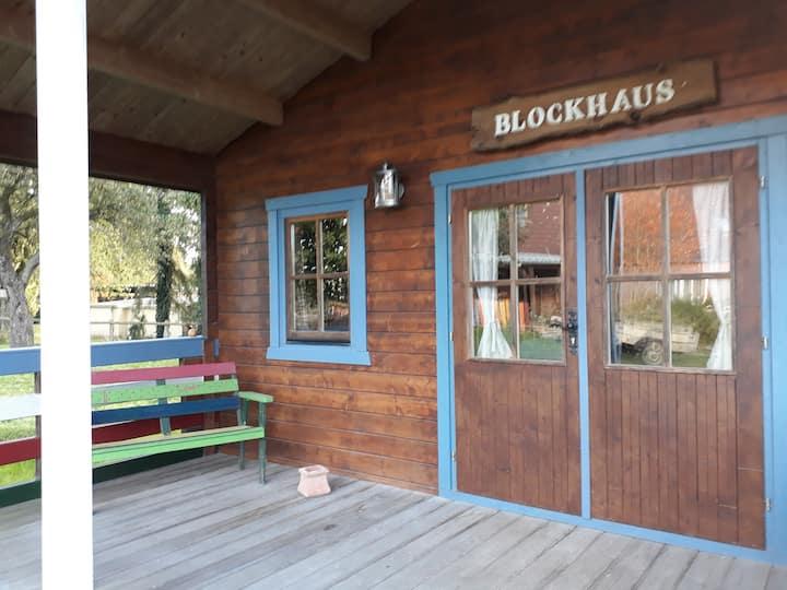 Blockhaus im Garten