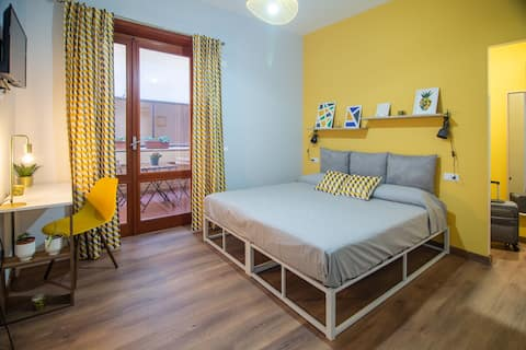 Salaria Rooms: bedroom on the outskirts of Rome.