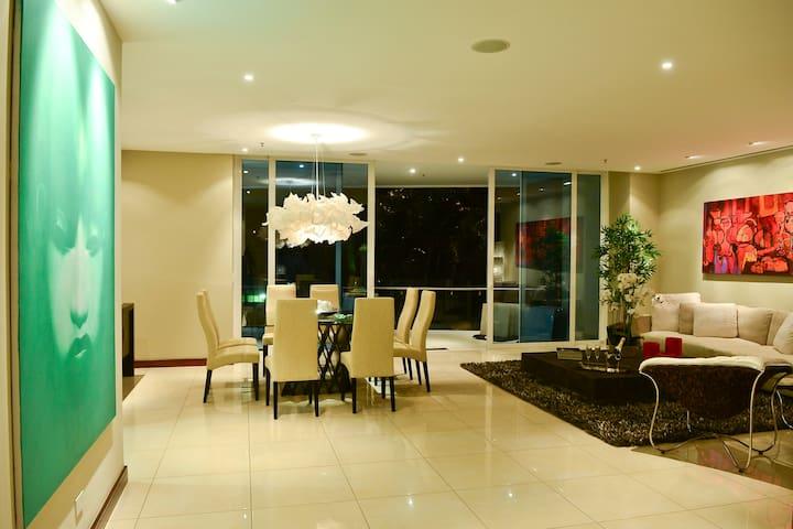Spectacular Luxury House in San Jose