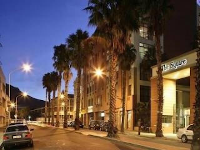 212 The Square, Cape Town City - Cape Town - Apartmen